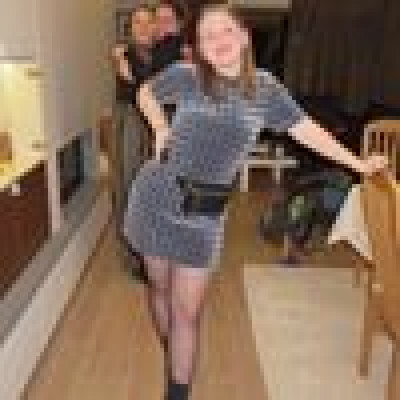 Laura zoekt een Kamer / Appartement / Studio in Gent
