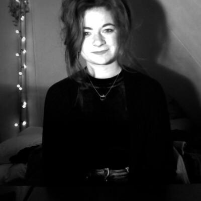 Nadia zoekt een Kamer / Appartement / Studio in Gent