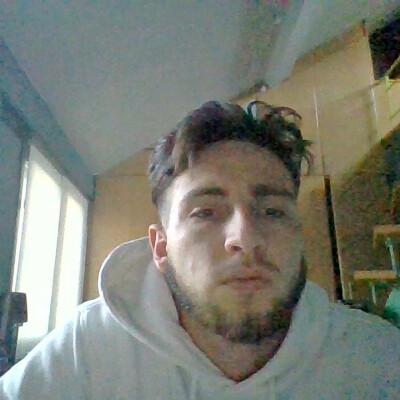 Yorrid zoekt een Kamer / Studio in Gent